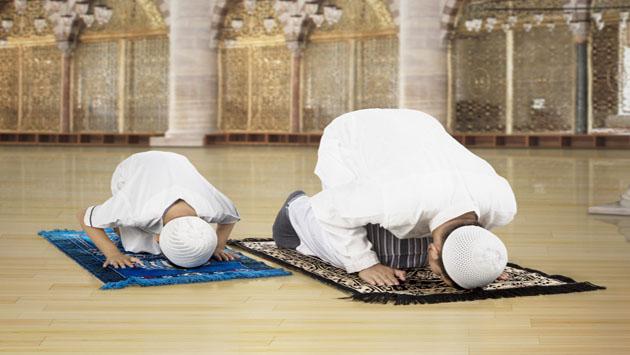 السجود (المطانية) بين المسيحية والإسلام