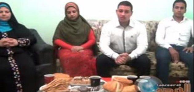 أسرة مسيحية من أبوقرقاص بالمنيا تدخل الإسلام كلها