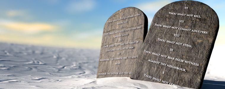 قضايا إيمانية وأخلاقية بين القرآن والكتاب المقدس: (1) الوصايا العشر